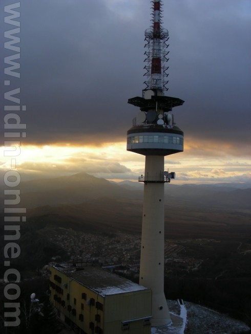 Подмениха антената на телевизионната кула в Белоградчик
