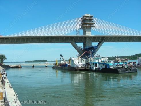 112 са работещите на Дунав мост 2