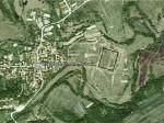 Сателитна снимка на с преполагаемото трасе на крепостната стена