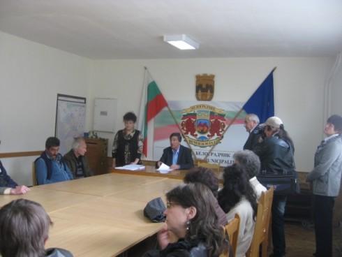 Днес кметът на Община Белоградчик Борис Николов връчи още 30 трудови договора