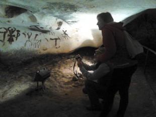 Водещи испански експерти по праистория и скални рисунки на посещение в Белоградчик
