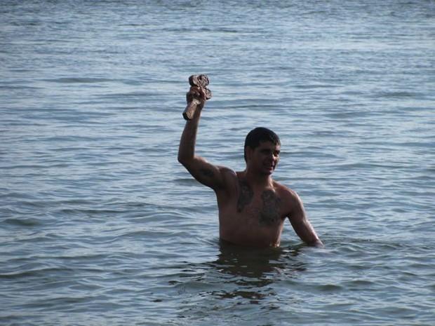 33-годишен безработен извади Богоявленския кръст от река Дунав във Видин