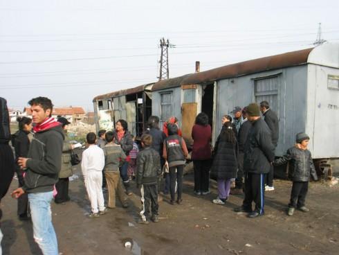 Без помощи са роднините на изгорелите вчера деца