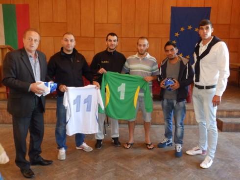 Дарение за футболния клуб на гр. Дунавци