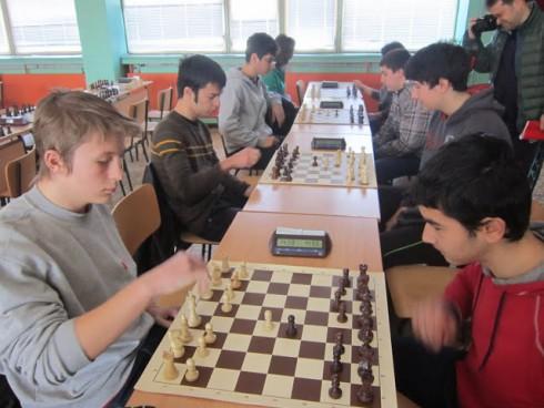 Дядо Коледа ще носи награди на млади шахматисти във Видин