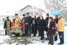 По-късно днес кметът Румен Видов, заедно с гостите от община Калафат почетоха паметта на загиналите в освободителната война румънски войни в с. Иново, община Видин