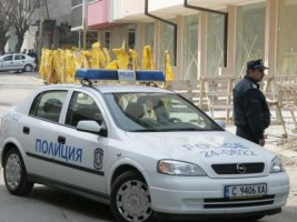 Незаконно притежавана ловна пушка и патрони са иззели полицейски служители