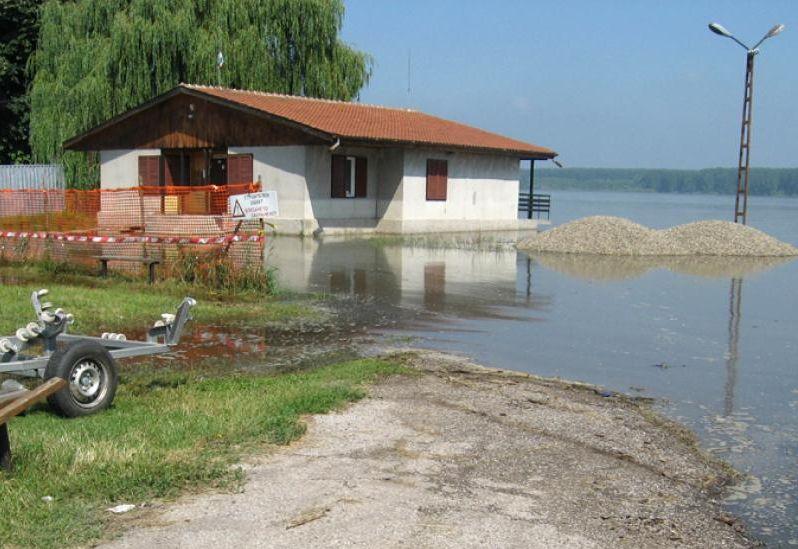 Емил Димитров: Проблемът с подпочвените води в Симеоново може да бъде решен с нов проект