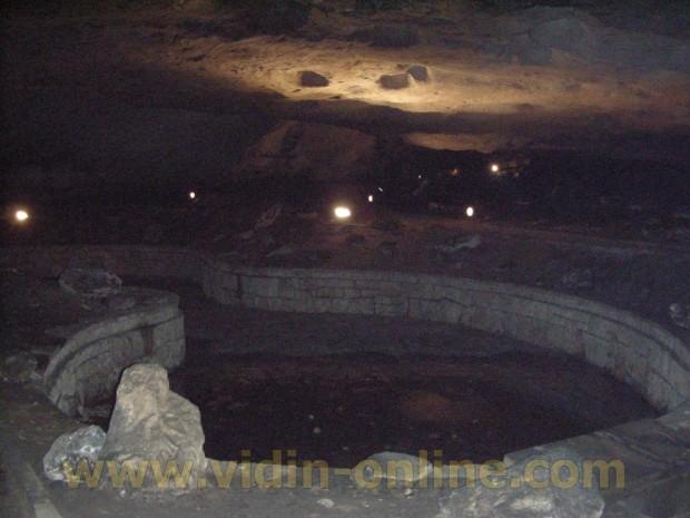 Зала в пещера Магурата