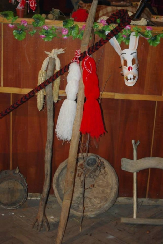 Бал на народни носии в село Шишенци