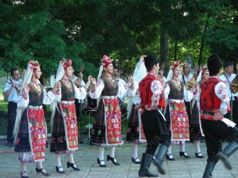 Курс по народни танци на открито ще се проведе във Видин