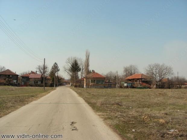 В село Акациево пролетното почистване започна