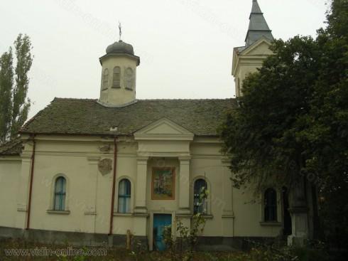 Необходим е цялостен вътрешен ремонт на църквата в село Антимово