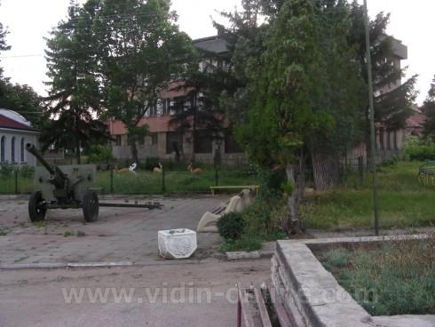 Жителите на село Буковец почистват и ремонтират със собствени средства
