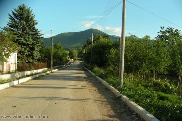 През последните 3 години се достигна до цялостно ремонтиране на пътната мрежа в Община Чупрене