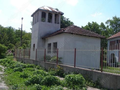 църквата Св. Великомъченик Георги в село Делейна
