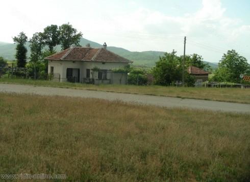 Бившето училище в село Дъбравка ще бъде преустроено в център за настаняване на възрастни хора с деменция