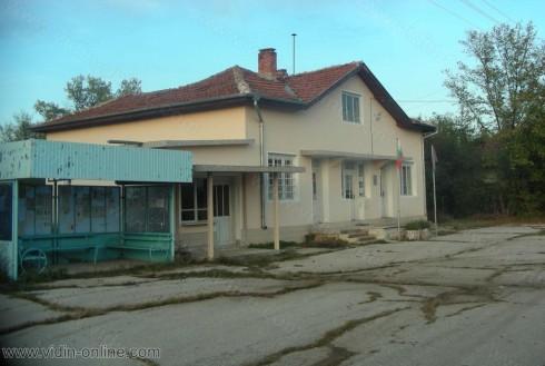 9-те жители на село Дълго поле никога не са имали обществен транспорт