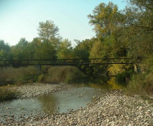 Във видинското село Държаница преминават пеша през реката заради отнесен мост от пороищата
