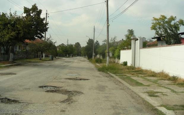Владимир Аристотелов, кмет на с.Капитановци, община Видин: Улиците представляват лунни кратери и години наред общината не инвестира в селото