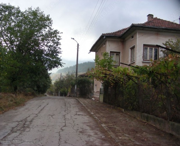 16 души и 10 кози живеят в белоградчишкото село Крачимир