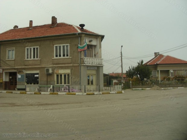 """Липсата на сцена затруднява провеждането на мероприятия в читалище """"Просвета"""" във видинското село Кутово"""