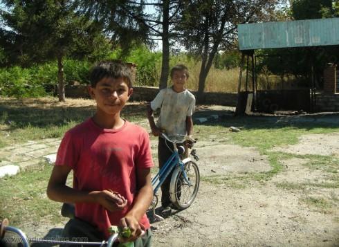 ромски деца от село Медовница