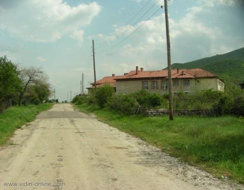 Започва ремонтът на пътя от Гара Орешец до село Фалковец