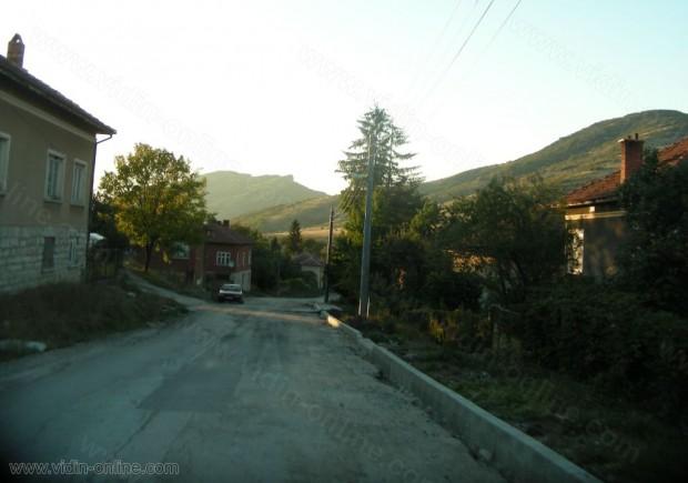 10 души са включени в групата за гасене на пожари в село Репляна, община Чупрене