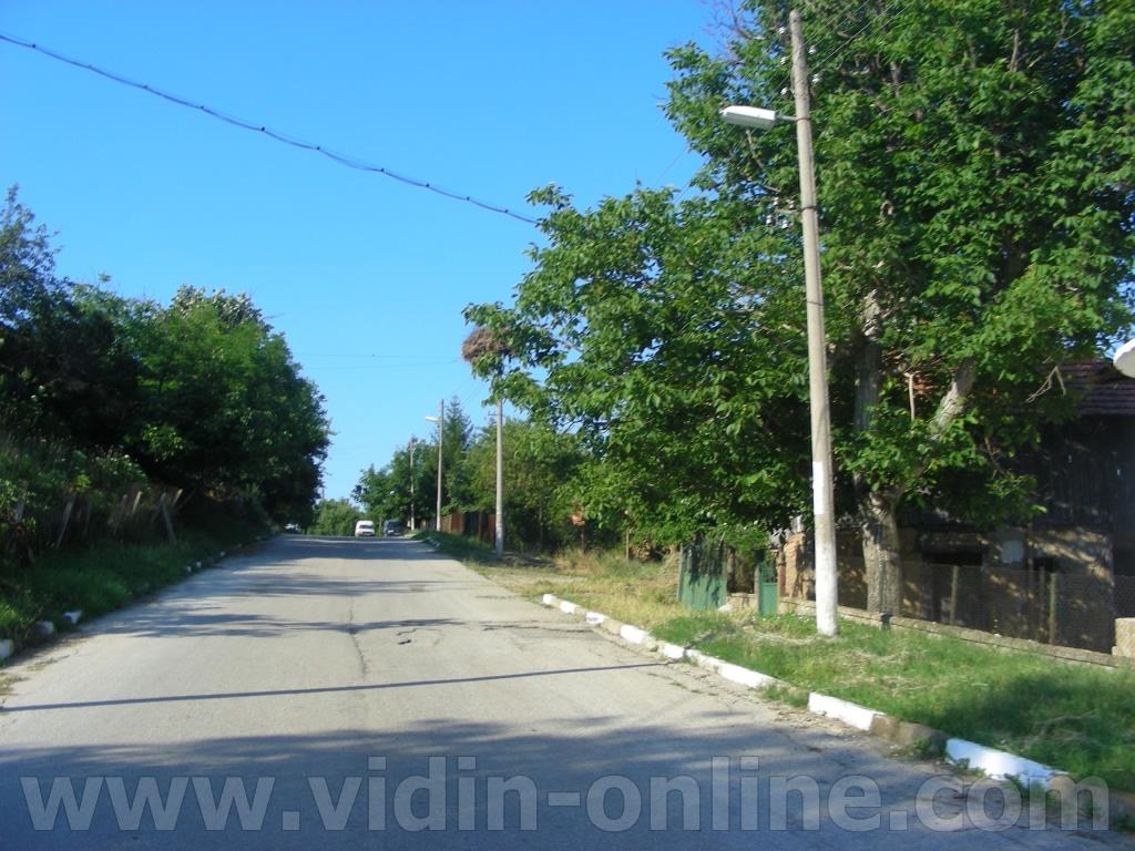 Веднъж седмично полицаи от обшина Макреш посещават село Толовица