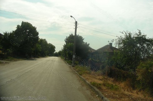 В село Тополовец има монтирани осветителни тела и в неосветени участъци