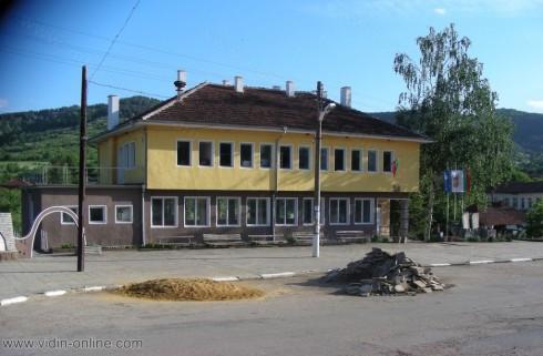 4 души са назначени за отстраняване на щетите от дъждовете в село Върбово