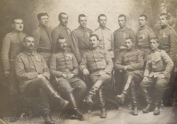 Стари войници и новобранци 1919