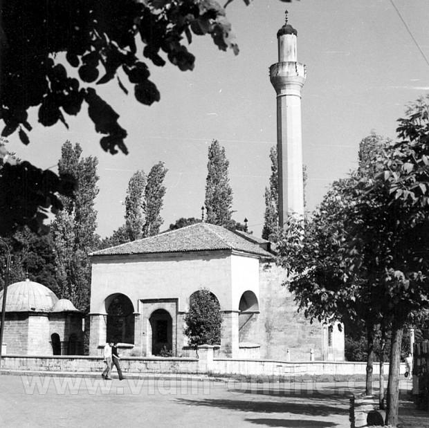 Джамията на Осман Пазвантоглу във Видин