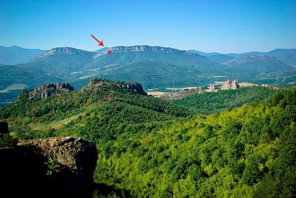 Местонахождение на пещерата- поглед от север