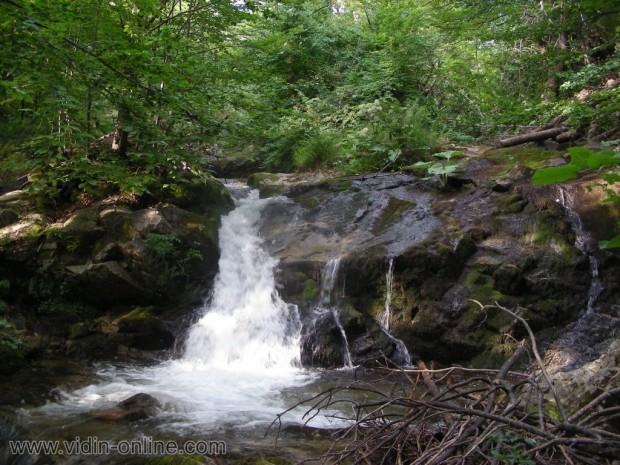 Водопад на река Покълщница