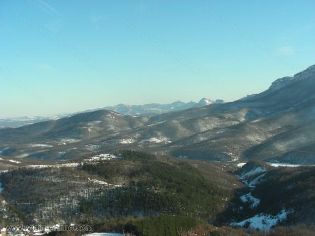 Изглед от връх Ведерник