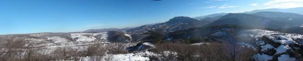 Панорамна снимка от връх Ведерник