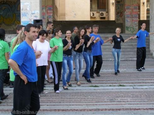 Уроците по народни танци на открито във Видин ще се провеждат отново през пролетта