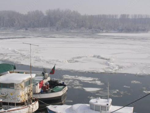 Над 80% на места е ледоходът по Дунав край Видин