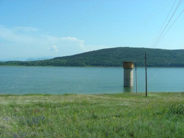 """Ниско е нивото на водата в язовир """"Рабиша"""""""