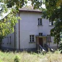 Изглед от западната страна на заставата в село Раяновци