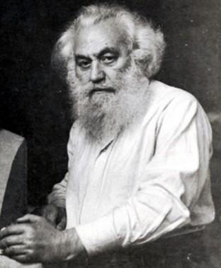 Андрей Николов