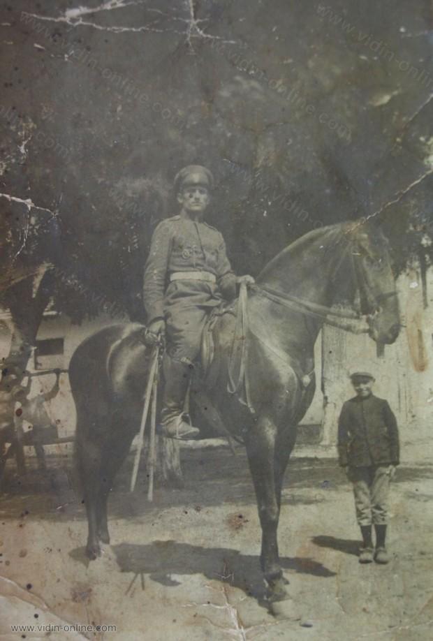 Данко Миков - Конният полк в град Лом