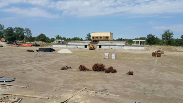 Изграждащият се стадион в Ново село