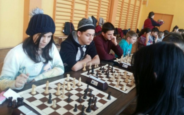 Видинските математици с 2 шампионски титли по шахмат