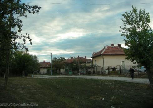 В 40 от общо 78 необитавани къщи във видинското село Черно поле са регистрирани кражби