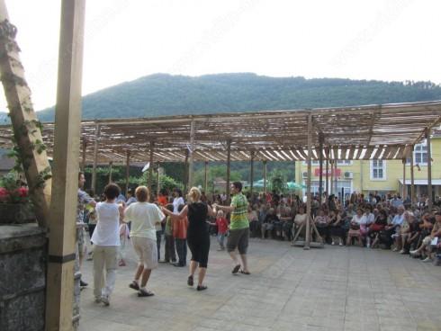 Откриха Деветия турлашки фолклорен събор в Чупрене