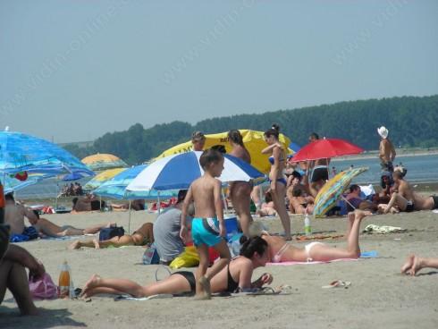 Повече от 300 души има на плажа на река Дунав при село Кошава