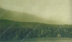 Престолонаследникът княз Борис I на посещение на Трети Пехотен Бдински Полк след мартенските боеве през 1917г.